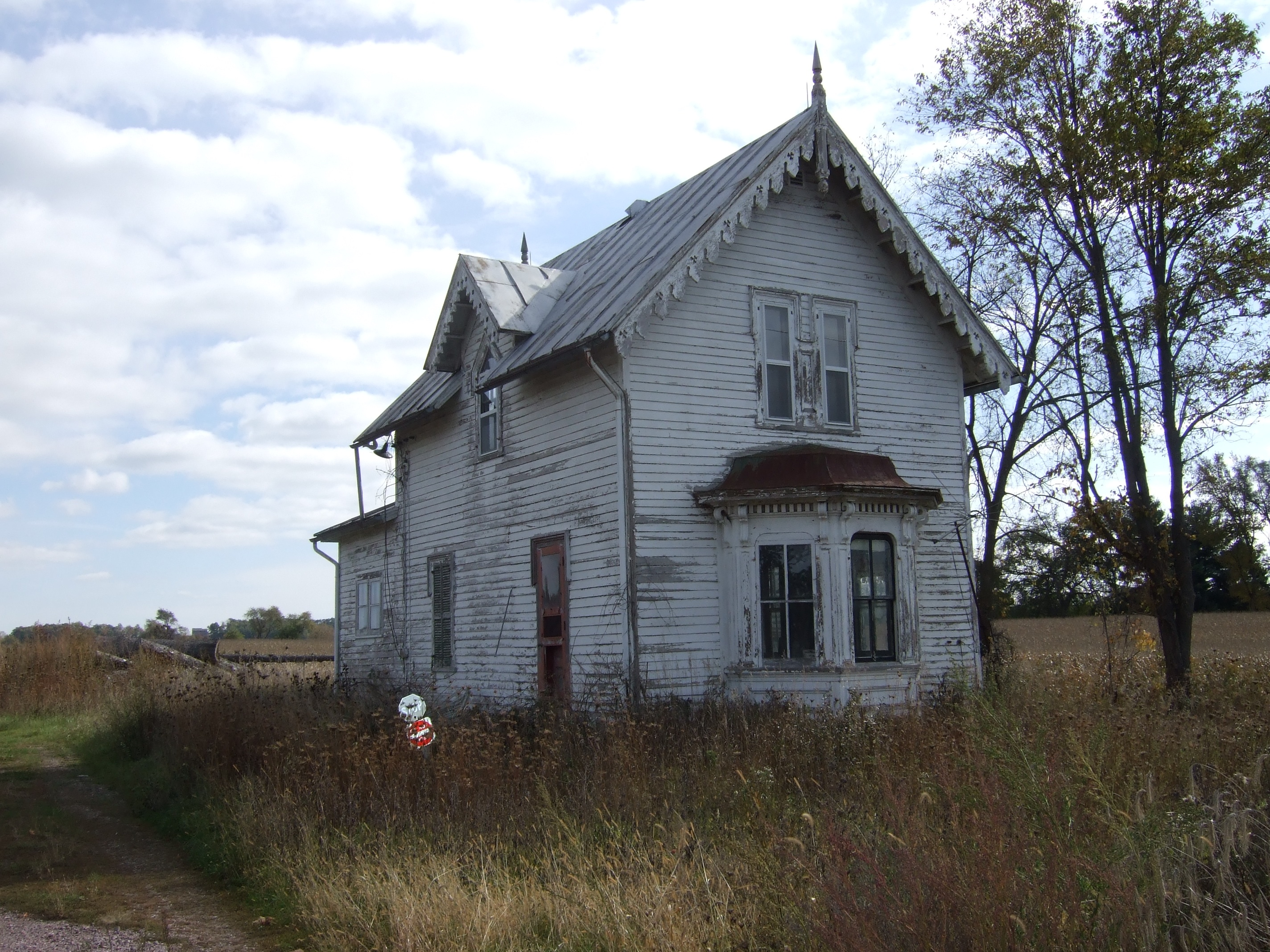 Abandoned farmhouse for Farmhouse homes