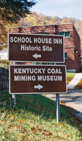 KY-Museums-Signs448w