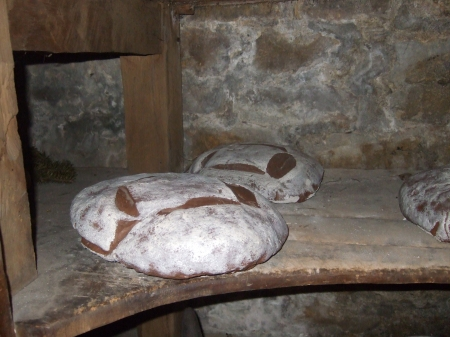 Old Fort Niagara bread