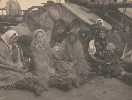 LC - [Group of emigrants (women and children) from eastern Europe on deck of the S.S. Amsterdam] Johnston, Frances Benjamin, 1864-1952, photographer Created / Published [1899]