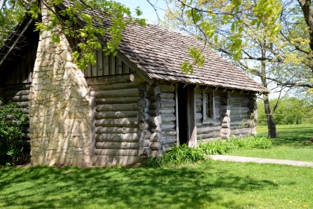 Replica of the Ingalls family cabin near Pepin, WI. (Kay Klubertanz photo.)